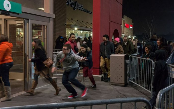 How to advertise doorbuster & black friday deals - Seattle Advertising